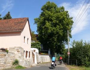 Laubegast befindet sich direkt an Elbe und Elberadweg